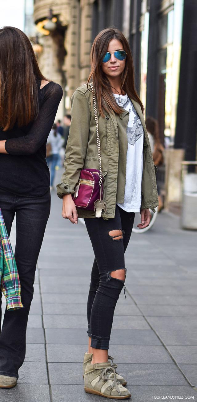 Za dobar casual stajling potrebne su vam crne poderane traperice. Street style fashion: Sara Vladimir, rujan 2015. Zagreb by peopleandstyles.com