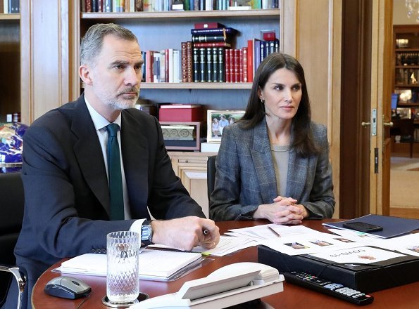 King Felipe and Queen Letizia held a video conference with representatives of WHO. Massimo Dutti. International Romani Day
