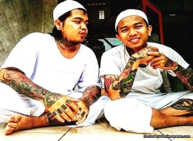 Hukum Muslim Bertatu