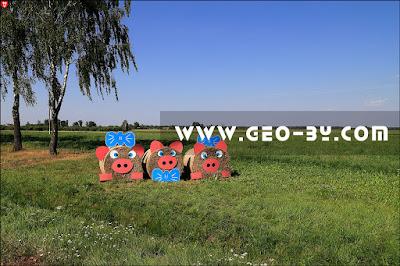 Соломенные фигуры петухов к празднику урожая ''Дожинки''