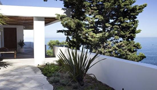 Safari Fusion blog | Summer sea views | African private villa Icaria / Bantry Bay, South Africa