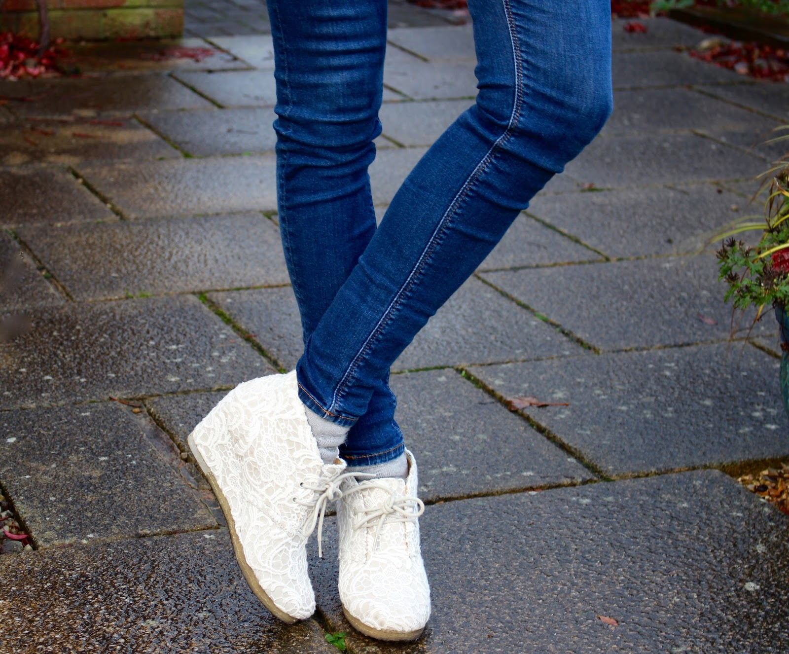 Lace boots and skinny jeans | Fake Fabulous
