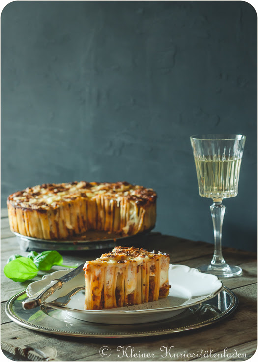 Rigatoni-Kuchen mit Bolognese