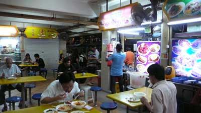 シンガポールのゴールデンマイル・フードセンター