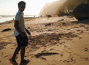 Rizky Billar Di Pantai