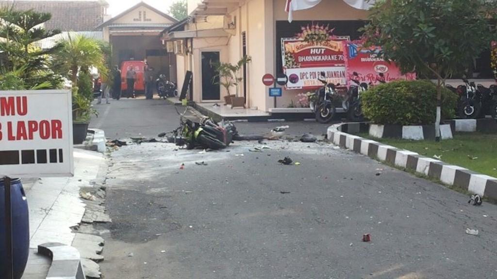 Dipenghujung Ramadhan, Tiga Ledakan Bom Bunuh Diri Terjadi di Arab Saudi dan Indonesia