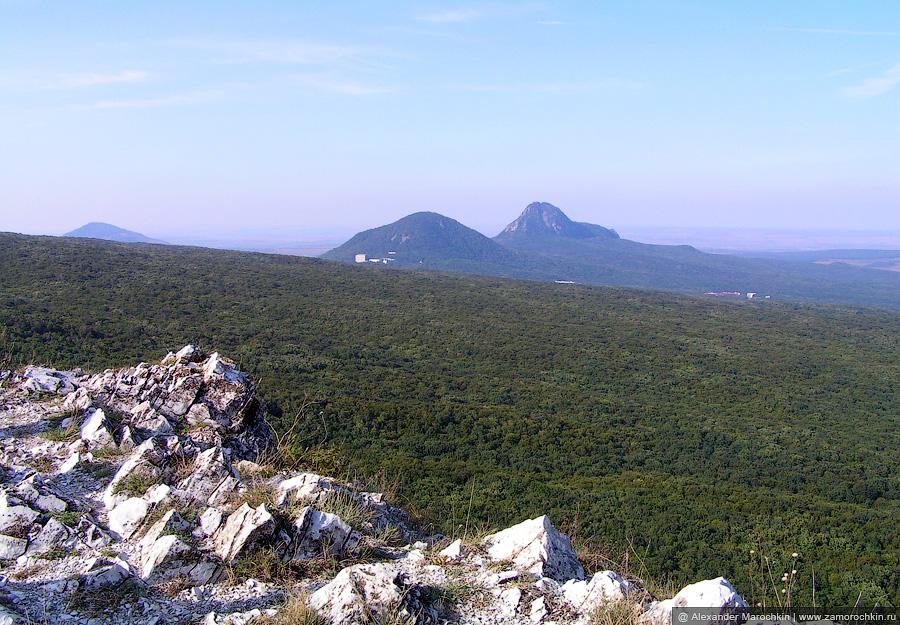 Вид в сторону Железноводска с горы Бештау