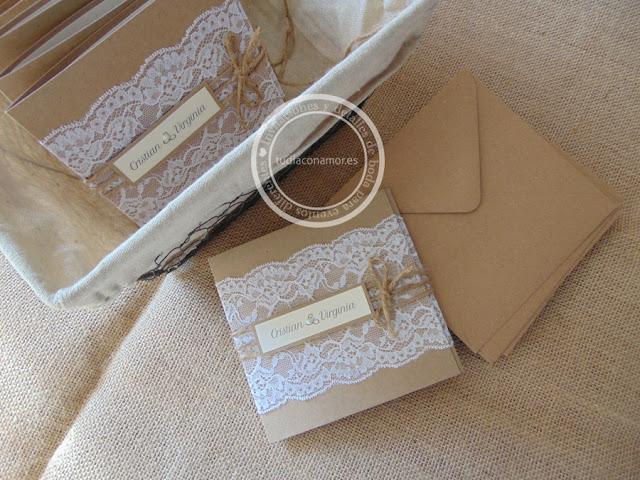 Invitaciones de boda de estilo rústico en papel kraft y puntilla de encaje