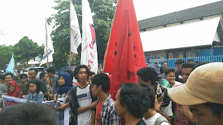 <b>Demo di Dikbud NTB, ARP Tuntut Pendidikan Gratis dari TK Hingga Perguruan Tinggi</b>