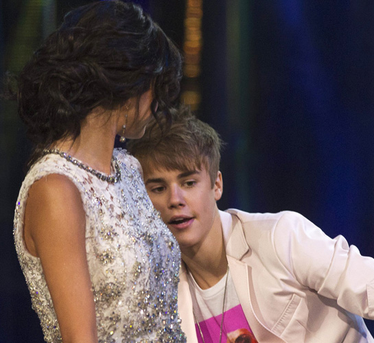 Justin Bieber's Girlfriend Selena Gomez Pictures