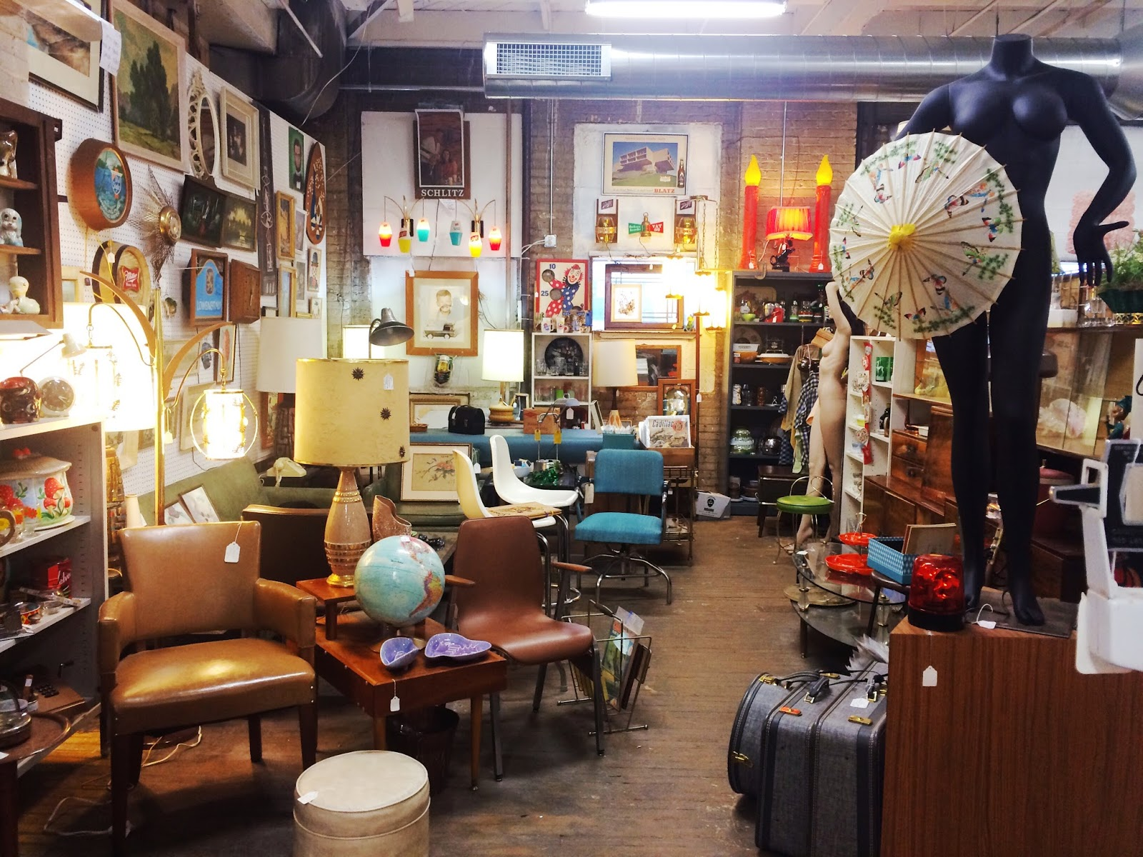 Planet Kelsey Antiques On Pierce