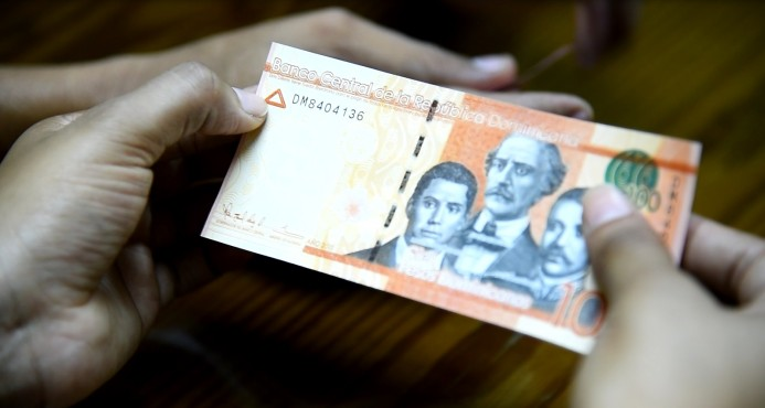 Cantidad de dinero que circula en economía ha bajado 9.1% este año
