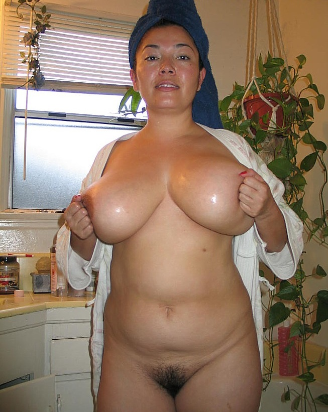 Curvy milf with huge nipples