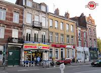 Cenando en La Friterie Sensas, Lille, Francia