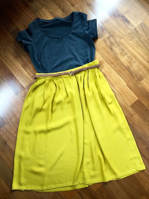 Diary of a Chain Stitcher: Mustard Midi Skirt & Renfrew Tee