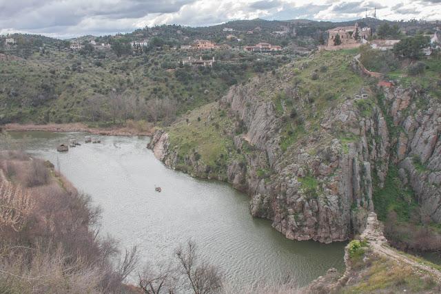 O Rio Tejo, em Toledo, na Espanha