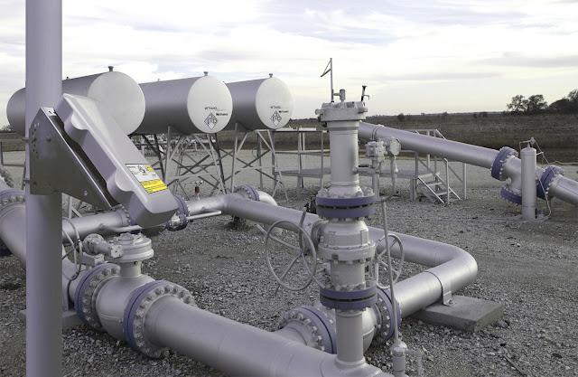 JabaSat Telemetria Via Satelite Controle los sistemas a distancia , supervise los oleoductos y gasoductos y controle los medidores de flujo.