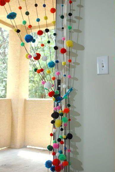 Classroom Windows Decoration Ideas ~ Manualidades con pompones para hacer en casa
