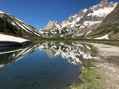 Lake Comal and view southwest toward Rifugio Elisabetta.