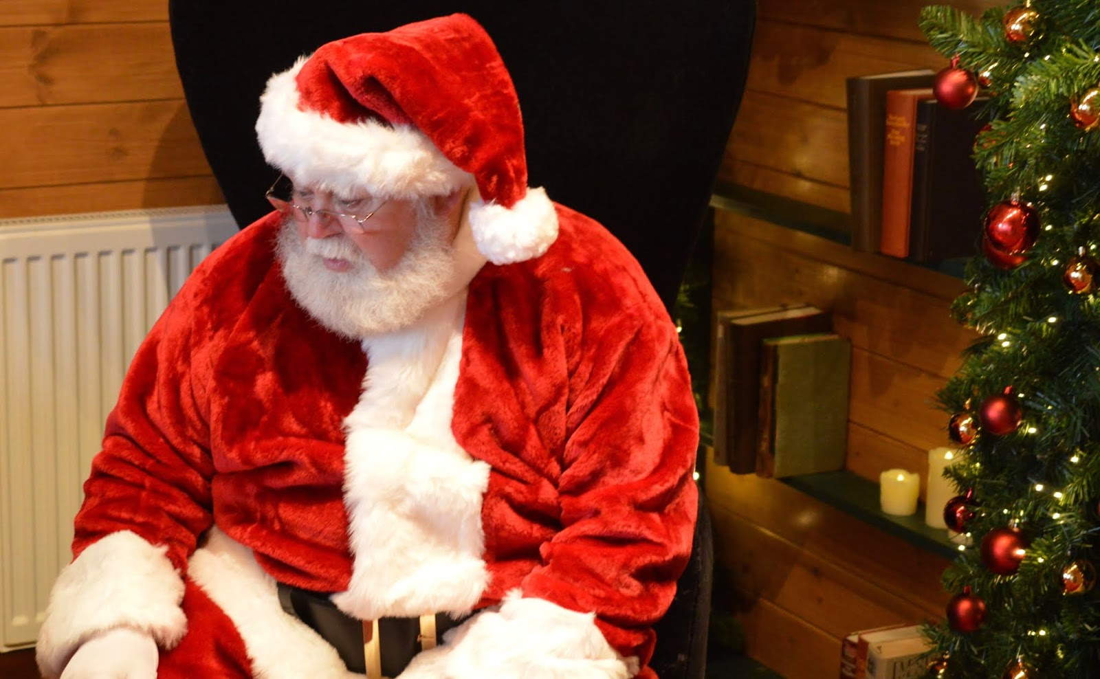 Santa on the Rooftop at Fenwick Newcastle   A Review  - santa claus in cabin