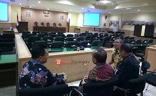 Rapat Paripurna, Bupati Dan Wakil Bupati Harus Menunggu Hingga Satu Jam Lebih