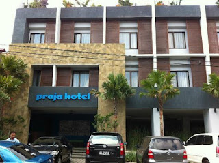 Praja Hotel Bali looking for Minimart Staff (Male)