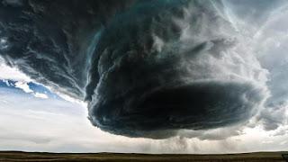 إعصار مكونو يضرب المملكة السعودية الليلة
