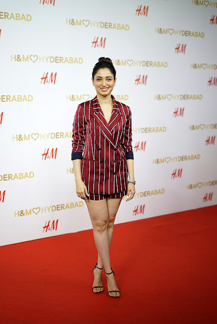 <div>Tamanna At The Red Carpet Of H&#038;M VIP Party</div>