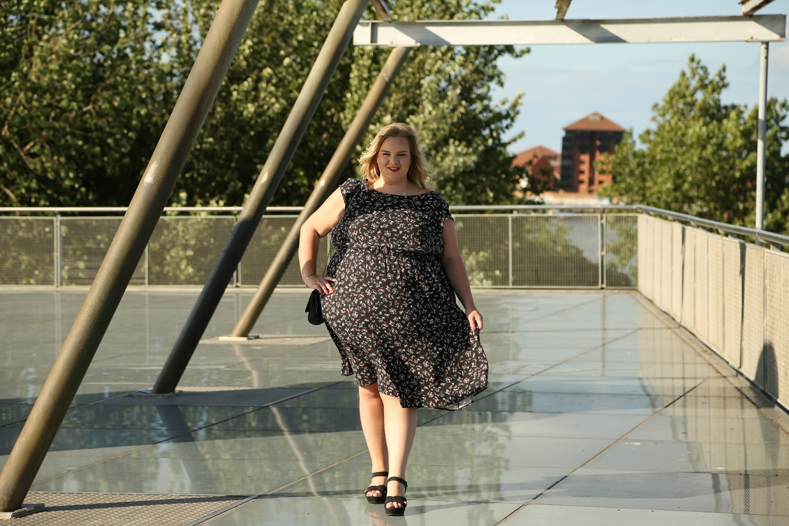 Scarlett and Jo Drop Shoulder Dress Plus Size Image