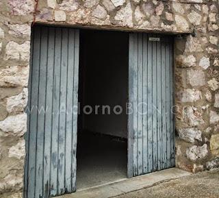 ADORNO BCN restauració porta