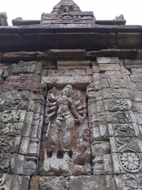 relief arca dewi durga mahisasura mardini