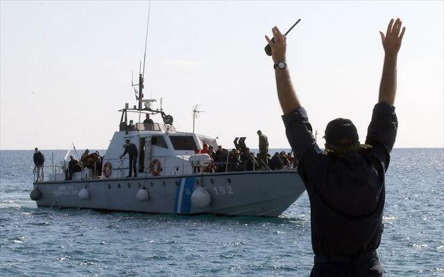 82 αλλοδαποί εντοπίστηκαν από το Λιμενικό σε σκάφος στα Κύθηρα - Συνελήφθησαν οι 3 διακινητές