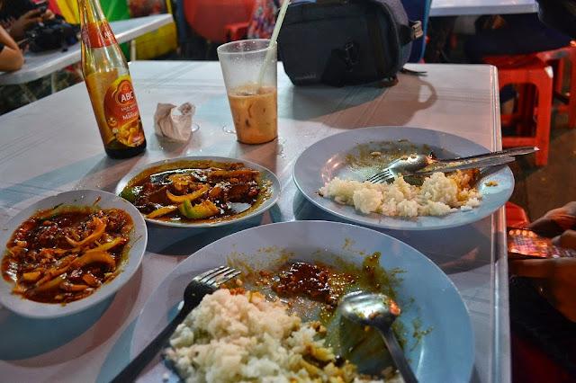 makan di Alor street