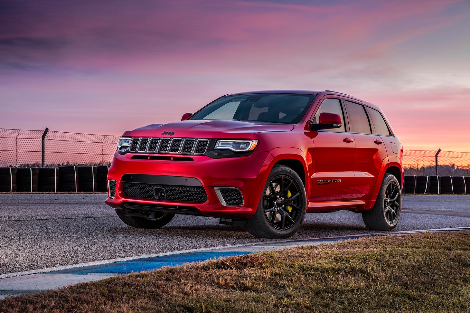 2018 Jeep Grand Cherokee Trackhawk Is One Hell Of A Cat