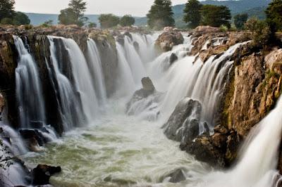 Hogenakkal Falls Romantic Honeymoon Destination In Bangalore