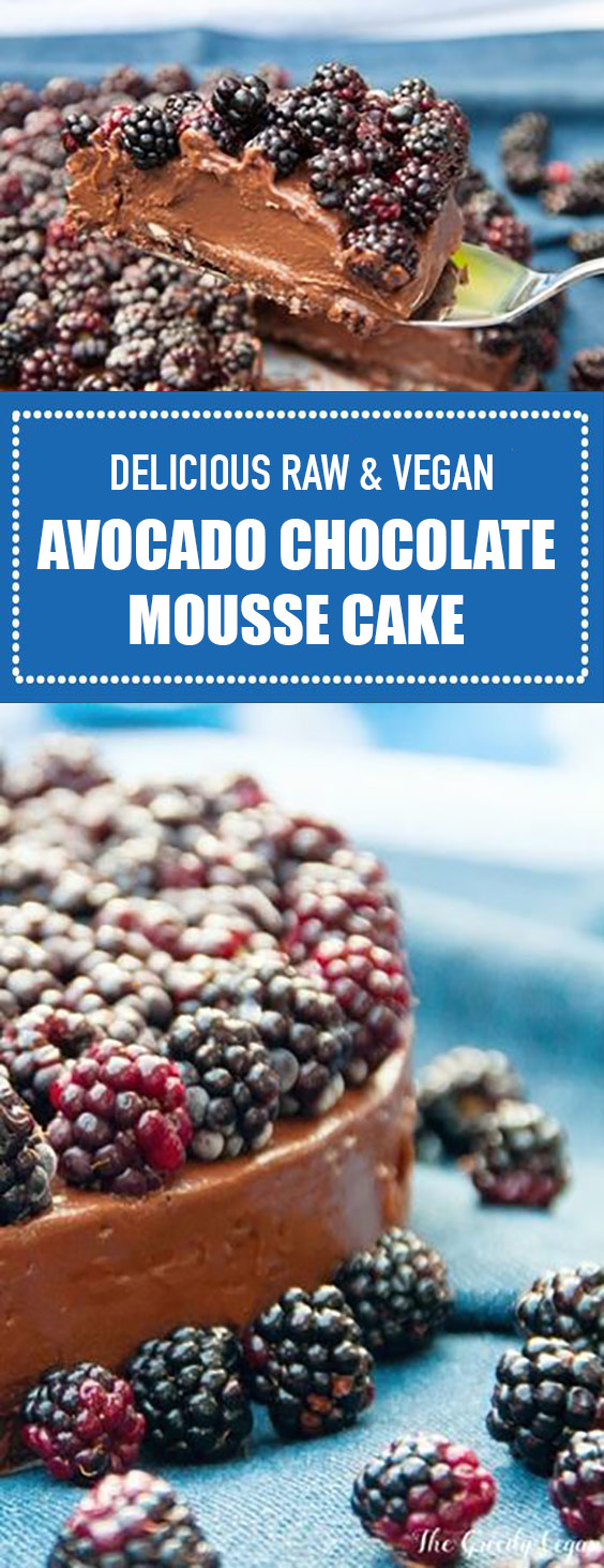 Delicious Raw & Vegan Avocado Chocolate Mousse Cake