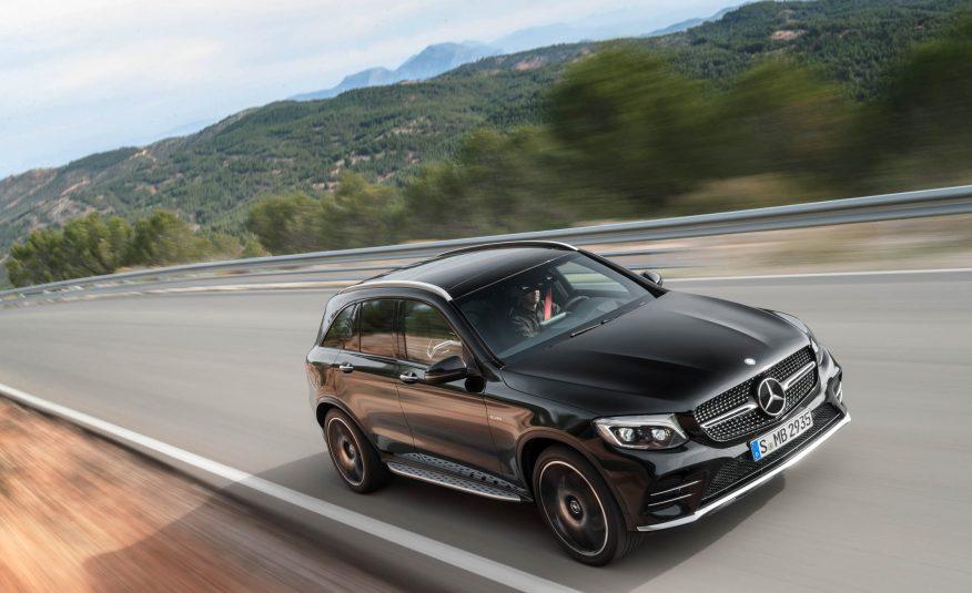 Khả năng tăng tốc của xe từ 0 lên 100 km/h chỉ trong 4.7 giây và dễ dàng đạt 160 km/h trong 11.4 giây, tốc độ tối đa lên đến 210 km/h.