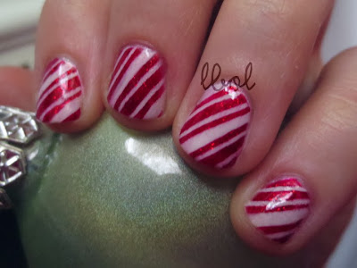 Peppermint Stripe Nails