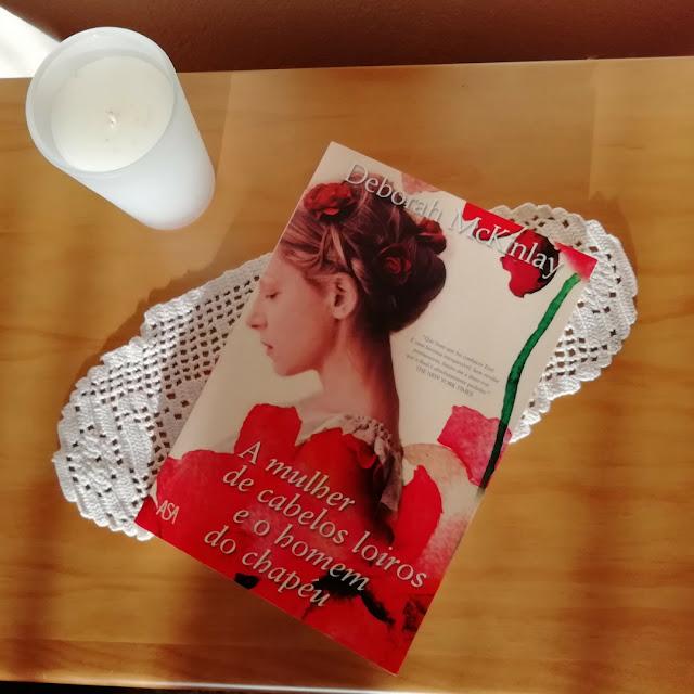 livro-A-Mulher-de-Cabelos-Loiros-e-o-Homem-do-Chapéu-Deborah-McKinlay