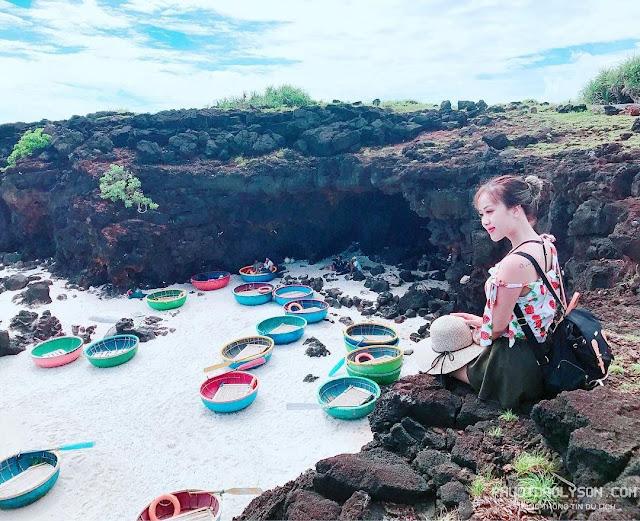 Phong cảnh nên thơ tại bãi tắm đảo Bé