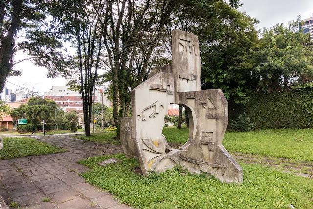 Monumento em homenagem a João Batista Vilanova Artigas