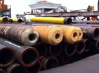 عمليات تسميت الابار (oil well cementing) مكونات برج الحفر والهدف من تسميت اعمده البطانه وعمليه التسميت الاوليه والثانويه ومعدات التسميت
