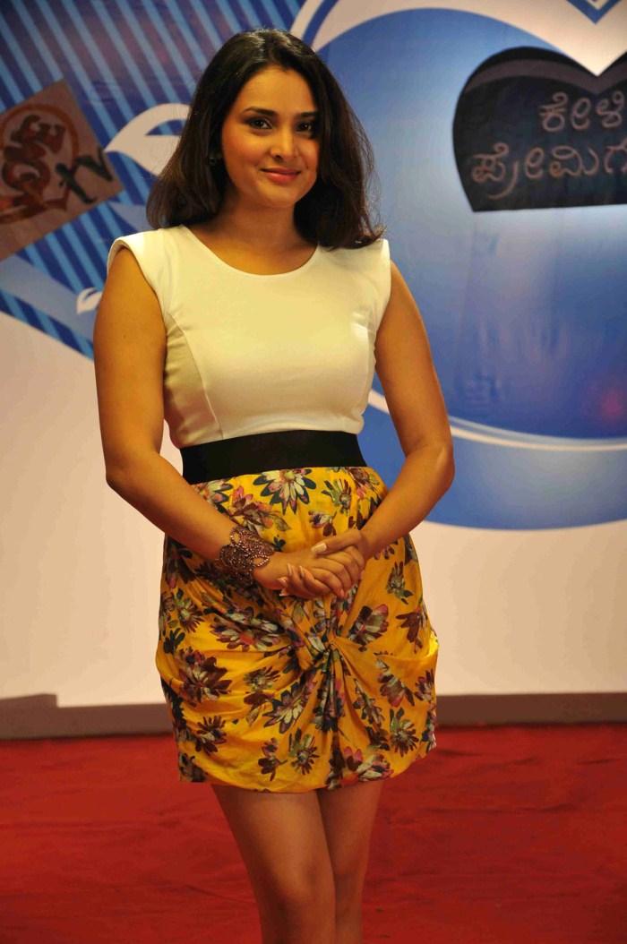 Tamil Actor Actress Photoshoot Stills,Unseen Family Photos -7675