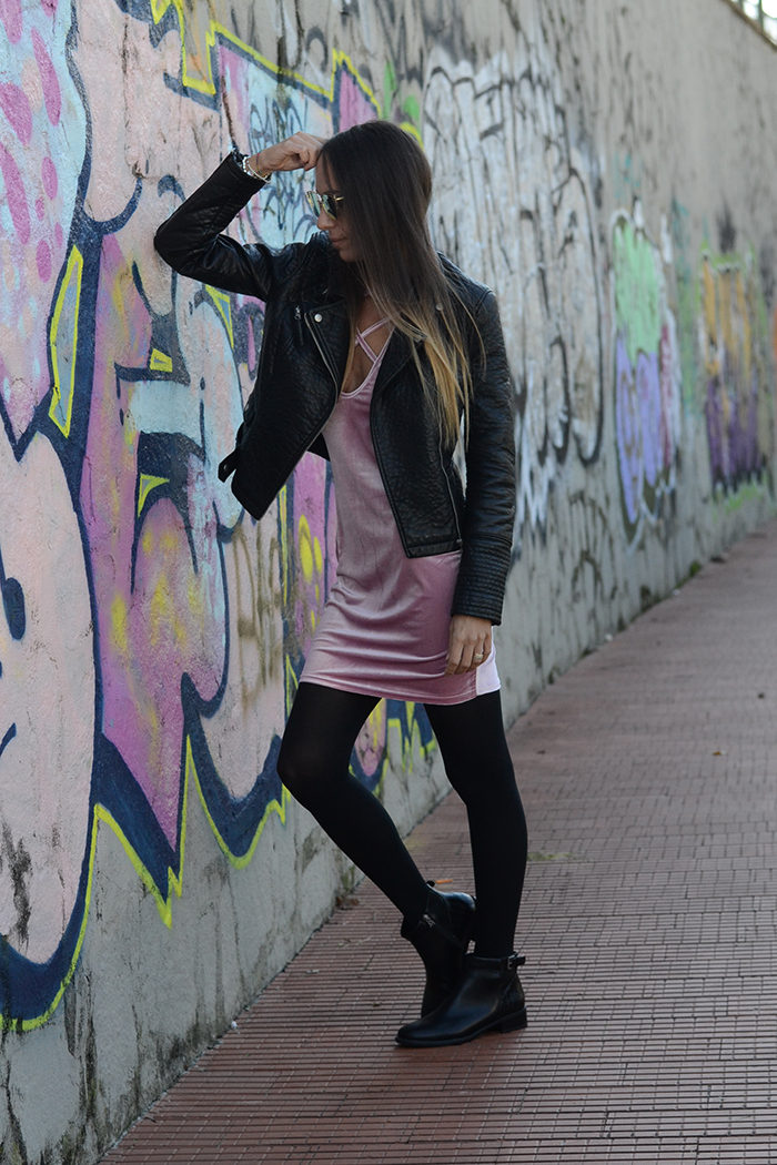 outfit rosa nero