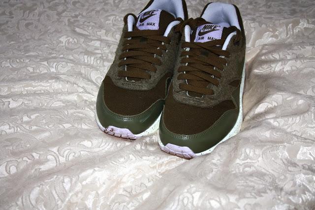 Sneakers Nike Air Max 1 Dark Loden Medium Olive Flussperle