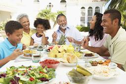 7 Fakta Penting Makan Bersama Keluarga