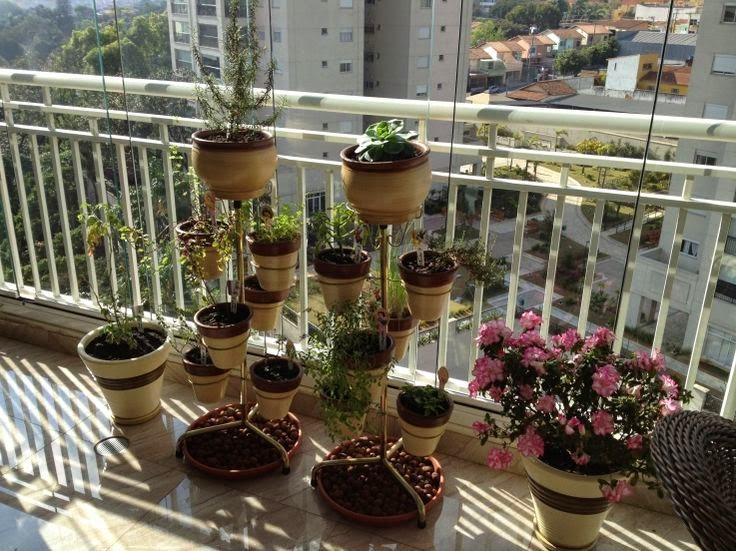 varanda-decorada-com-plantas-orquideas