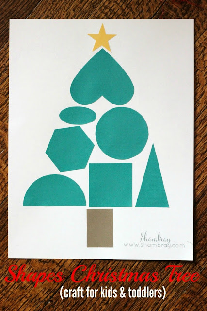 Get a free printable for this fun kids art project.  It is as perfect Christmas craft for toddlers.