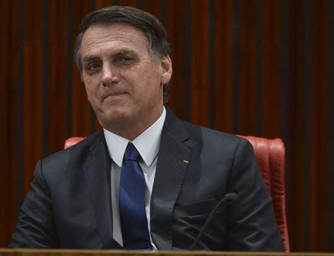 Bolsonaro pretende aumentar validade da CNH de 5 para 10 anos