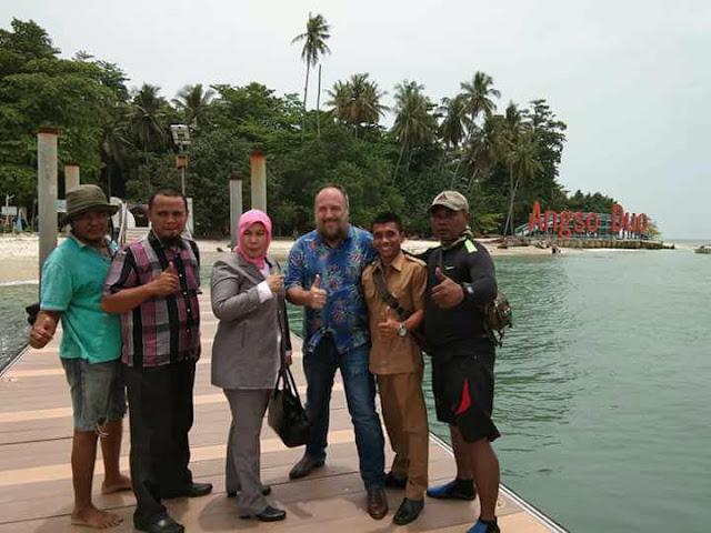 Wisatawan Asing: Pariaman Bagus, Sayang Kurang Informasi Dalam Bahasa Inggris
